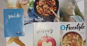 Weight Watchers 2018 FREESTYLE WELCOME KIT 4 Guides + Pocket Food Guide