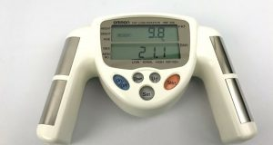 Omron Fat Loss Monitor HBF-306 BMI Analyzer White Handheld Tested ~ Working