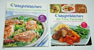 2 lot WEIGHT WATCHERS COOKBOOKS over 700 recipes w/ points values and core plan